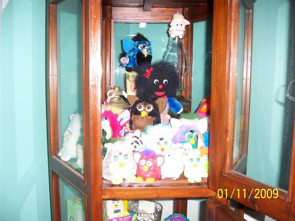 Yowee S Furby Site